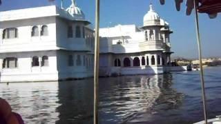インドの宮殿ホテル ウダイプル レイクパレスホテル 送迎ボート