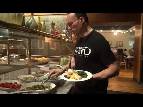 Dave Palumbo Chows Down Buffet Food at NPC Nationals!