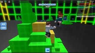 Roblox (battle the giant boss!!!!)