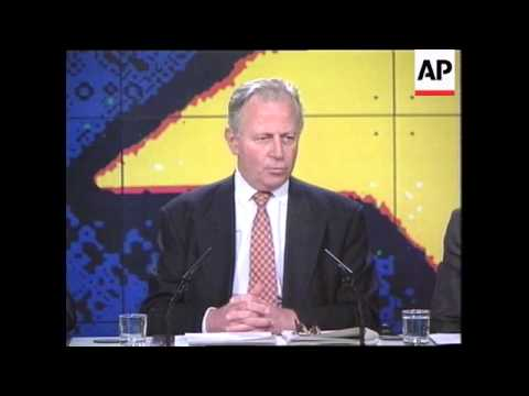 Belgium - Santer addresses press conference
