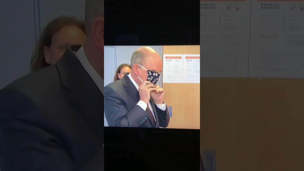 Belgium minister funny style of wearing mask #Corona#Mask# ...