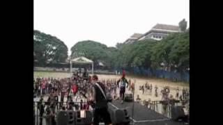 Gambar cover Mawar Berduri live 2009 Punk Invasion