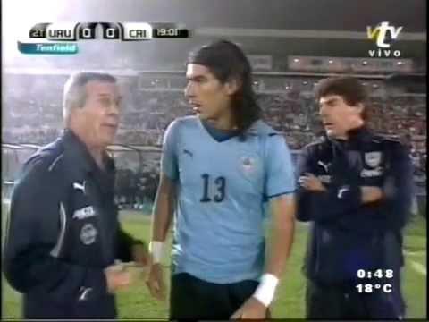 Uruguay 1   Costa Rica 1 clasificacion de uruguay al mundial 2010