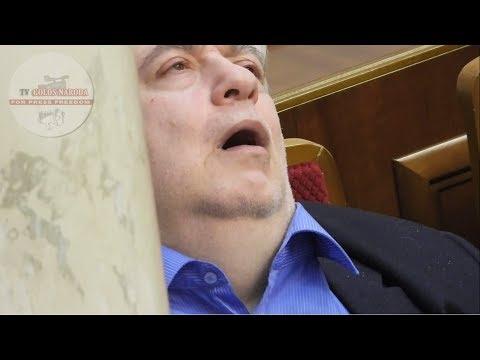 TVgolosnaroda: За колонной в Раде умирает нардеп Кирш.  05.02.19