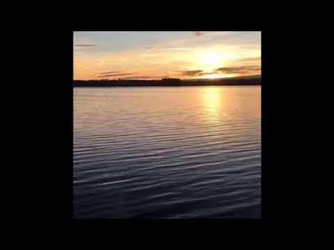 Coucher de soleil au camping Beau Rivage du lac de Pareloup