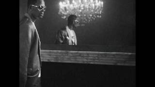 Watch R Kelly Bangin The Headboard video