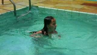 Video Beatriz Kazapi 1° dia na piscina em 2009 !!!! download MP3, 3GP, MP4, WEBM, AVI, FLV Agustus 2018
