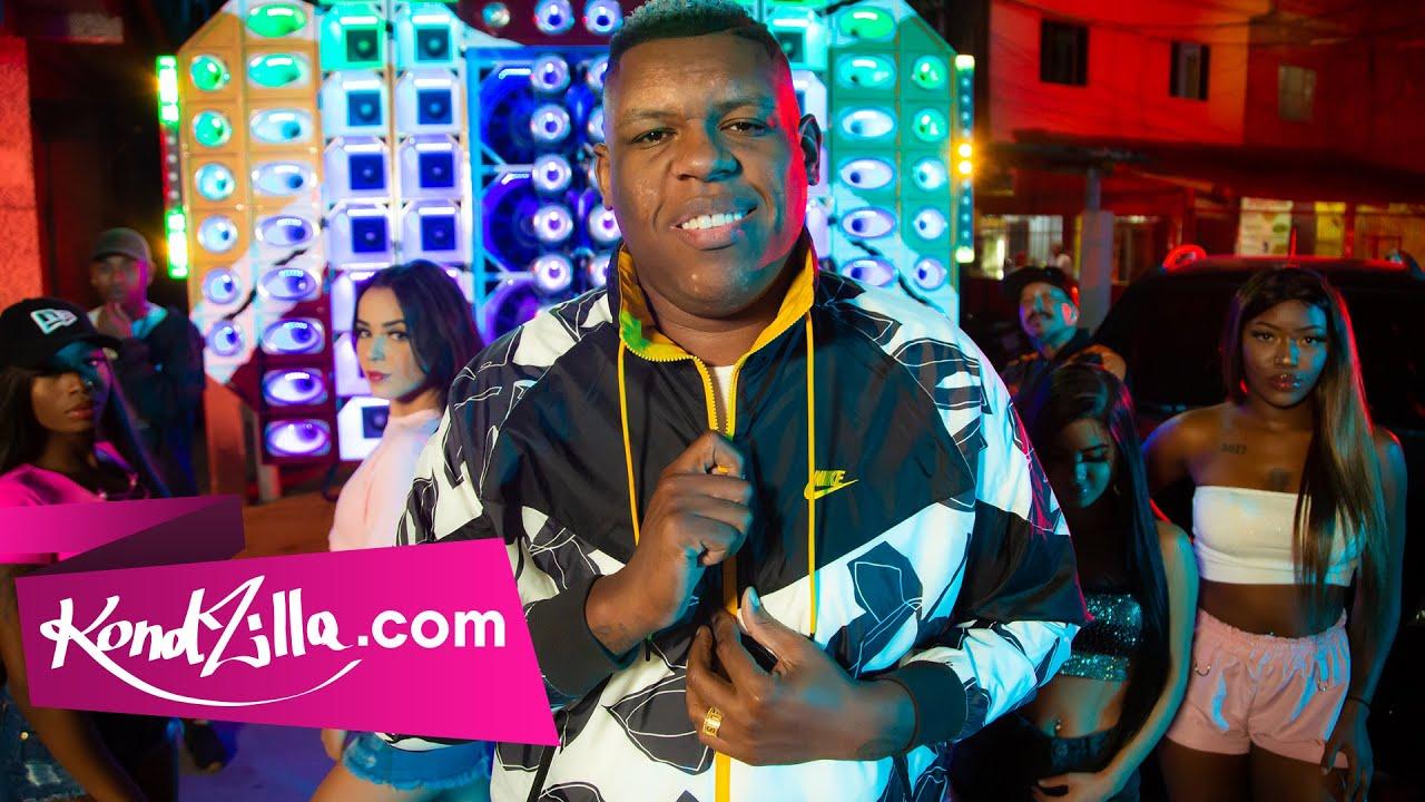 MC Bola - Coitadinho (kondzilla.com)