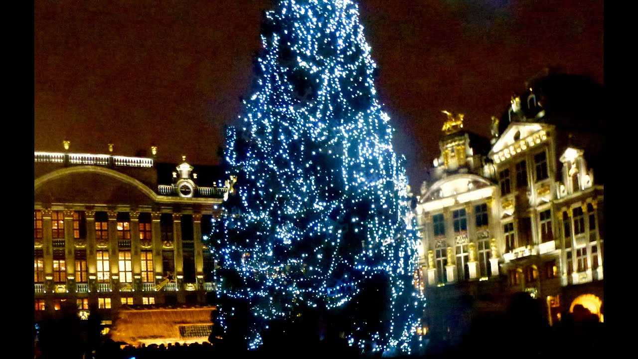 Christmas Tree in the Grand Place,Brussels - YouTube