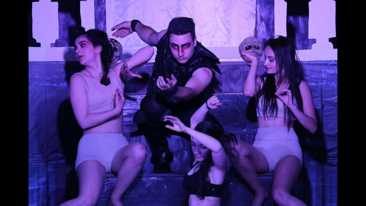 Dracula l'amour et son contraire - CMG Talents (Le feu initial)
