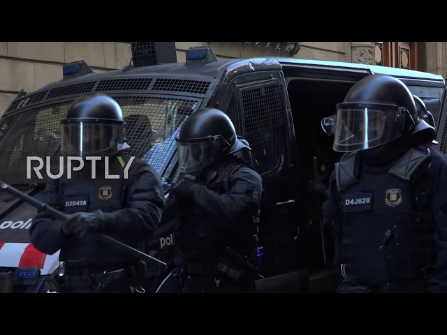 Spain: Fascist salutes seen after Vox event amid counter-protests in Barcelona