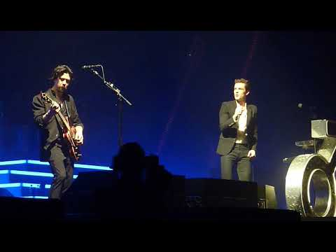The Killers @ Aberdeen 2017 - Here Comes The Rain Again ( Eurythmics  cover ) short clip