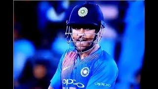 Asia Cup 2018: Ground पर फूटा Dhoni का गुस्सा, Kuldeep से कहा- Bowling करेगा या Change करूं