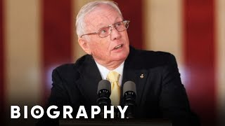 Biography: Neil Armstrong Mini Bio thumbnail