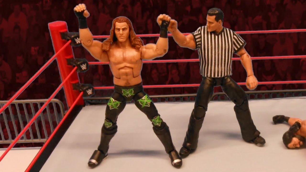 """Shawn Michaels vs. """"Macho Man"""" Randy Savage (Shane McMahon as guest referee): Action Figure Showdown"""
