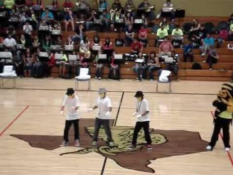 ISAAC SAMORA, isaiah, and nick| Dubstep at lamesa middle school