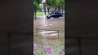Прикол. Говорили что дождь будет))