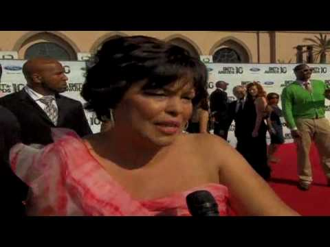 CNN: Stars react to Chris Brown at BET Awards
