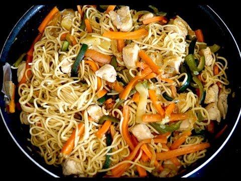 wok-de-dinde,-légumes-et-nouilles-chinoises
