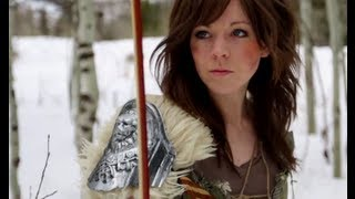 Skyrim - Lindsey Stirling & Peter Hollens(Download the song from iTunes: http://msclvr.co/SkyrimLinds Worldwide download: http://www.loudr.fm/release/skyrim-main-theme/F6Gnd Watch Behind the ..., 2012-04-03T22:01:24.000Z)