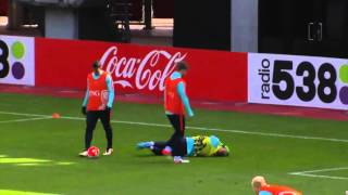 Klaas-Jan Huntelaar broke the nose of Jasper Cillessen
