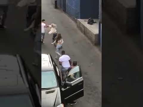 Download Men vs Woman fight