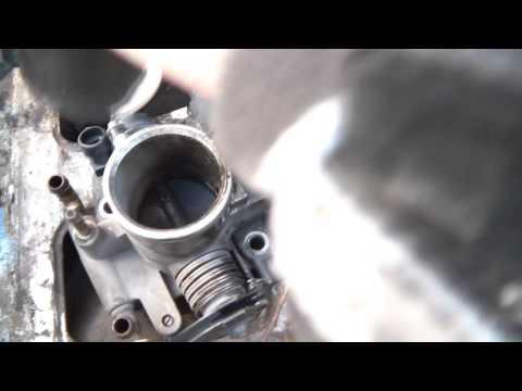 чистим дроссельную заслонку ВАЗ 2107 (решаем проблему с холостым ходом)