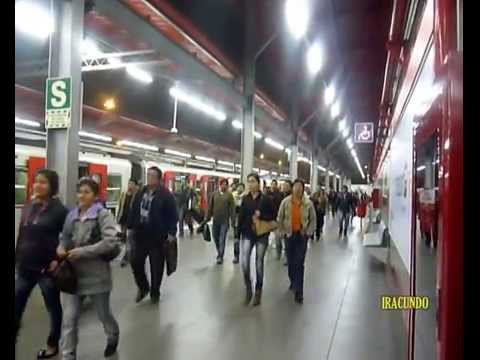 En el Metro de Lima--Un domingo por el Centro Comercial Jockey Plaza