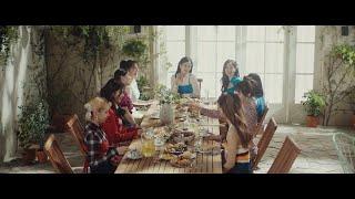 Download TWICE 「Kura Kura」 Music Video