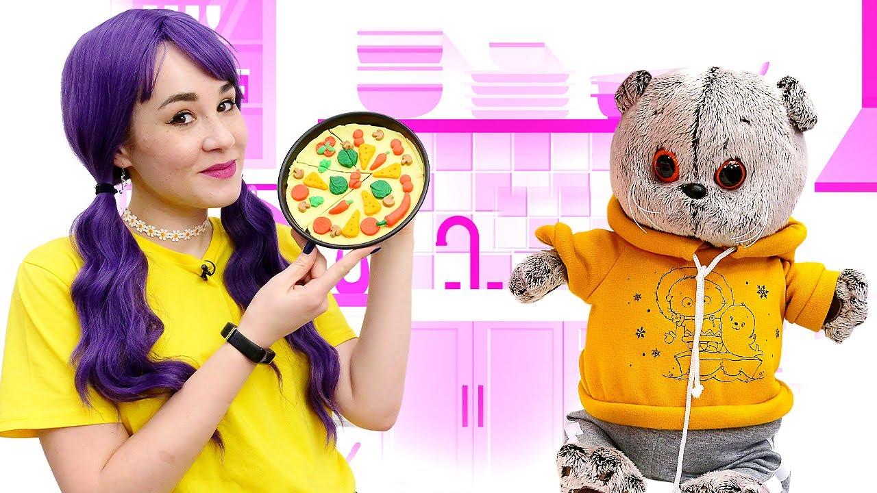 Пеппа и Кот Басик! Видео для детей и мягкие игрушки - Готовим пиццу из Плей До