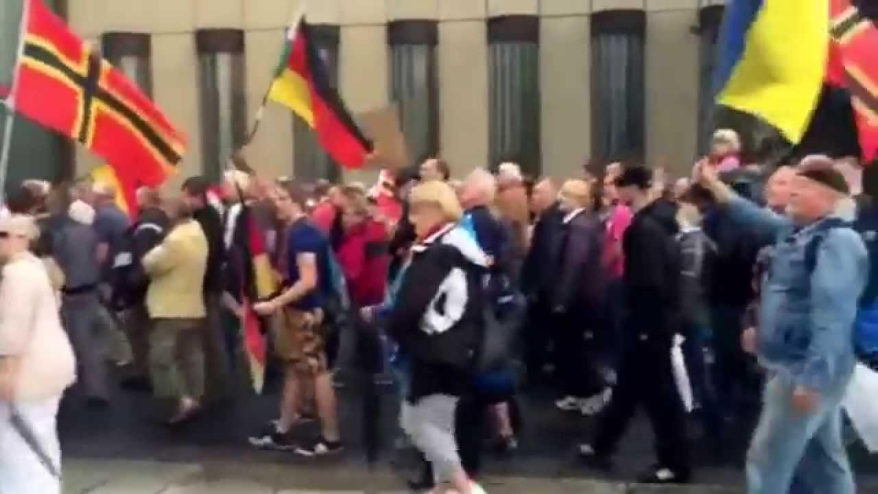 PEGIDA am Haus der Presse in Dresden am 27 07 2015