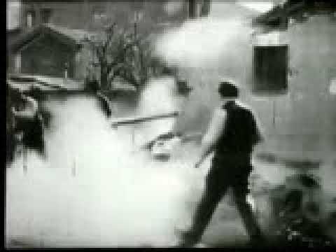 Démolition d'un mur 1896   The Lumière Brothers