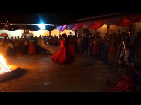 Miryan Yusuf Saleh Ahmad  dança para Santa Sarah