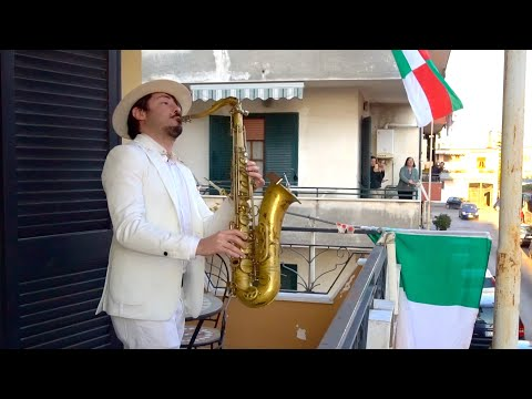 """Bella Ciao"" - BALCONY SAX PERFORMANCE In ITALY"
