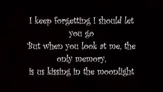 Can't remember to forget you - Shakira ft. Rihanna (lyric video) + Download