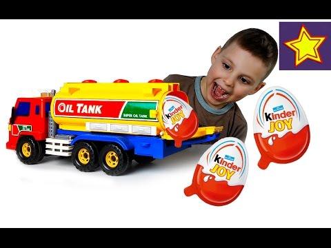Машинка с сюрпризами Киндер Джой Распаковка яиц с игрушками Kinder Surprise Unboxing