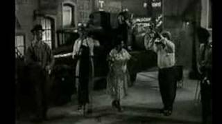 Louis Armstrong  --Struttin with some barbecue