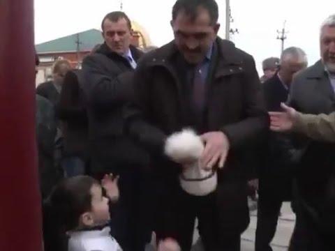 Глава Ингушетии Евкуров оставил мальчика без помпона