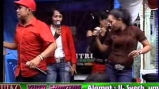 Keyboard Fitria Musica Dumai - Duah Minang  Vocal : Amirican Boss
