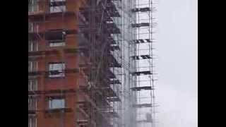 Хомутовые леса строительные(Монтаж фасада гостиницы Astrim с помощью хомутовых строительных лесов - http://www.artpodem.ru/katalog/stroitelnye-lesa/homutov/, 2014-02-24T13:08:28.000Z)