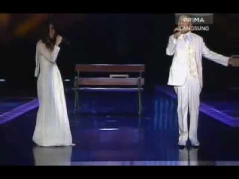 Hafiz & Mimi Sham - Sandarkan pada kenangan