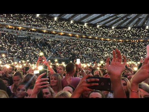 Ed Sheeran Perfect Live At Wembley / Someone Proposed!!!