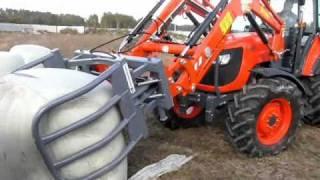 Ciągniki Kubota m108s + TUR 220 Ładowacz czołowy Bele wysłodki po ~1250kg