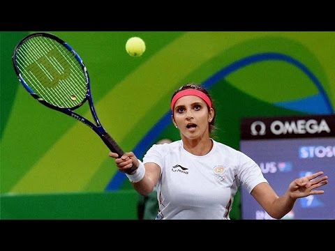 Sania Mirza gets No 1 spot in women's doubles by defeating Martina Hingis |Oneindia News