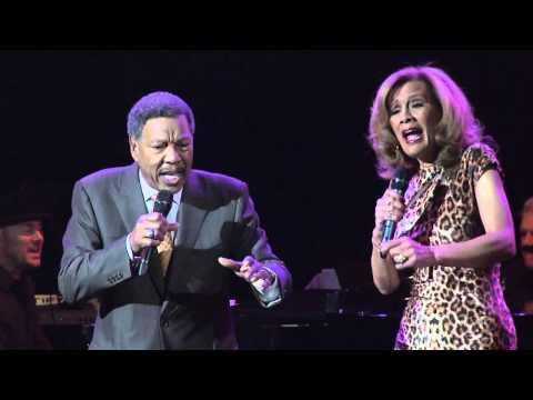 Marilyn McCoo & Billy Davis Performing at the 56th Annual Thalians Gala Honoring Smokey Robinson
