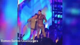 Ozuna y Romeo Santos cantando en vivo El Farsante y Sobredosis