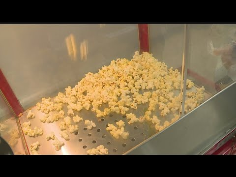 Poland High School students sell popcorn for charity