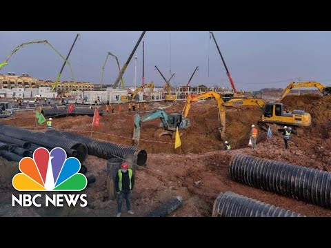 Construction On New Hospitals To Treat Virus Patients Continues Around The Clock   NBC News