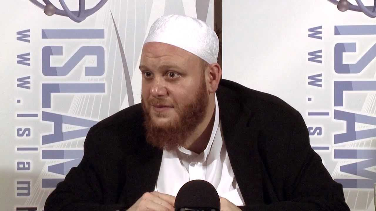 Can Muslims work together with kuffar for a common cause? - Q&A - Sh. Shady Alsuleiman