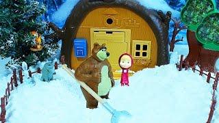 Маша и Медведь. Мультик с куклами. Вагон киндер сюрпризов для Маши. Игрушки  для детей